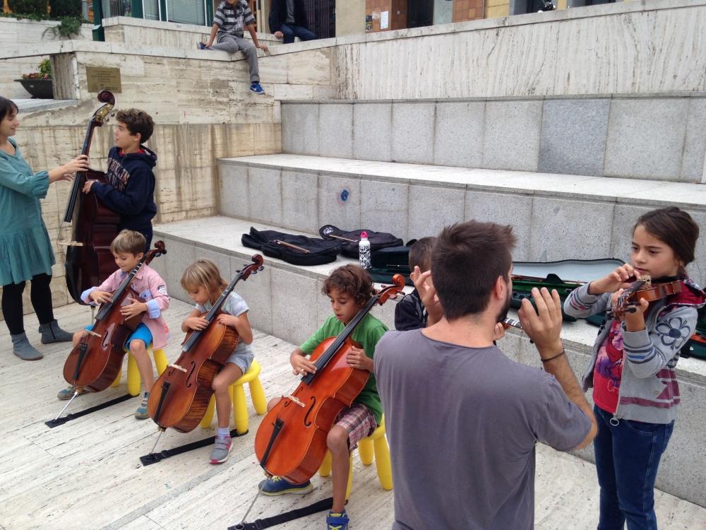 Tastet d'instruments al Carrer. Festa Major de Roda de Ter, setembre de 2015
